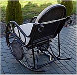Плетене крісло-гойдалка з ротангу з підніжкою, фото 3