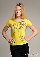 Жіноча вишита футболка у патріотичному жовтому кольорі «Петриківський розпис», фото 1