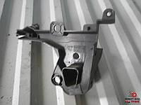 9681316380 Кронштейн крепления планки под лобовое стекло правый для Пежо Партнер Peugeot Partner