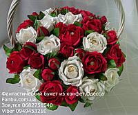 """Большой букет роз из конфет ferrero rocher""""Знак внимания""""№33"""