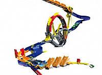 Трек ML 32462, настенный, в комплекте 2 машинки, крепится к стене двусторонними полосками, крутые гонки