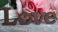 Маленькое слово Love из дерева