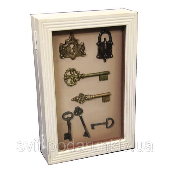 Ключница настенная белая с изображением ключей