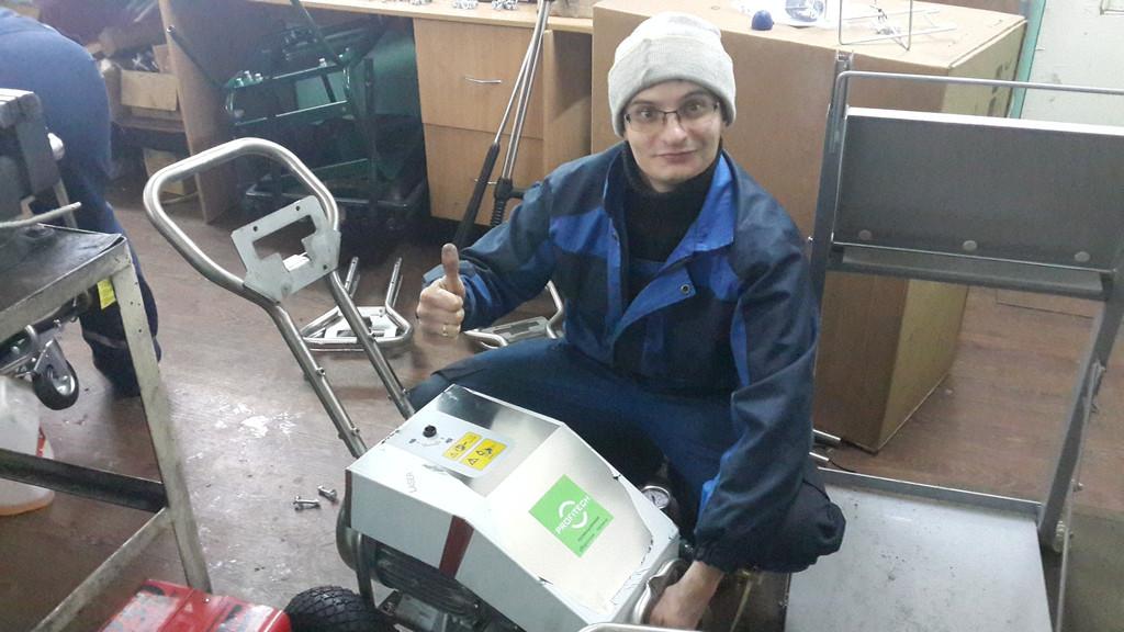 Во время сборки аппараты профи проходят контроль качества и проверяются на испытательном стенде