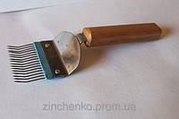 Вилка для пасеки гнутая деревянная ручка, длина 210мм