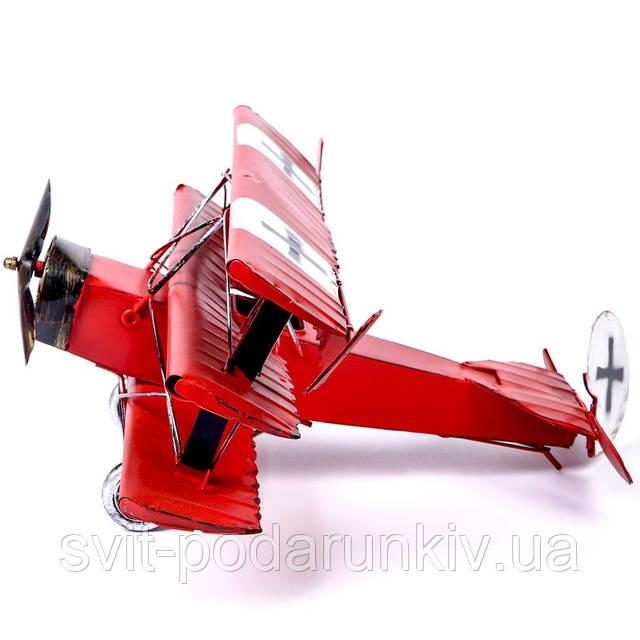 модель старинного самолета