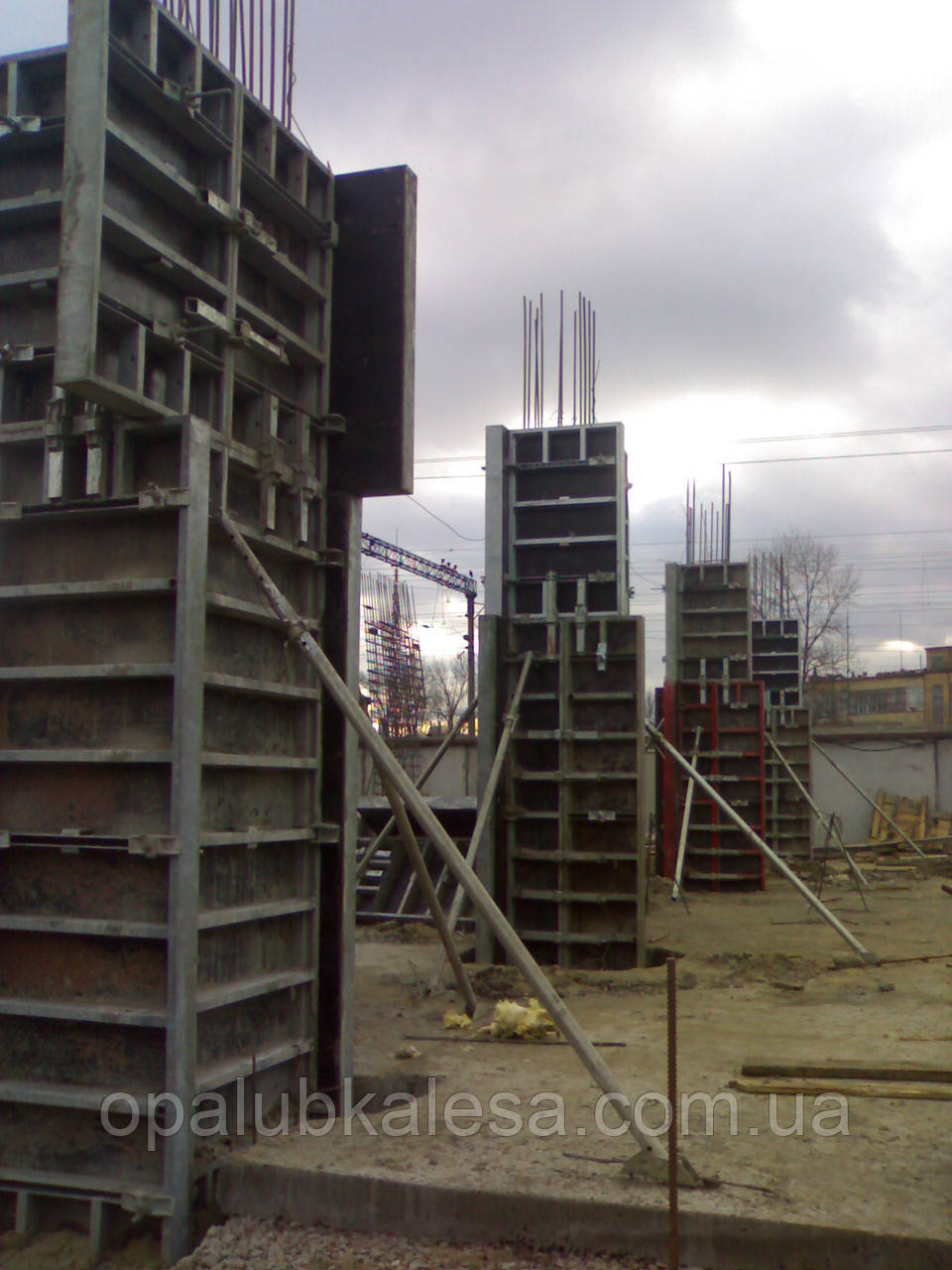 Щитова опалубка для монолітно-каркасного будівництва