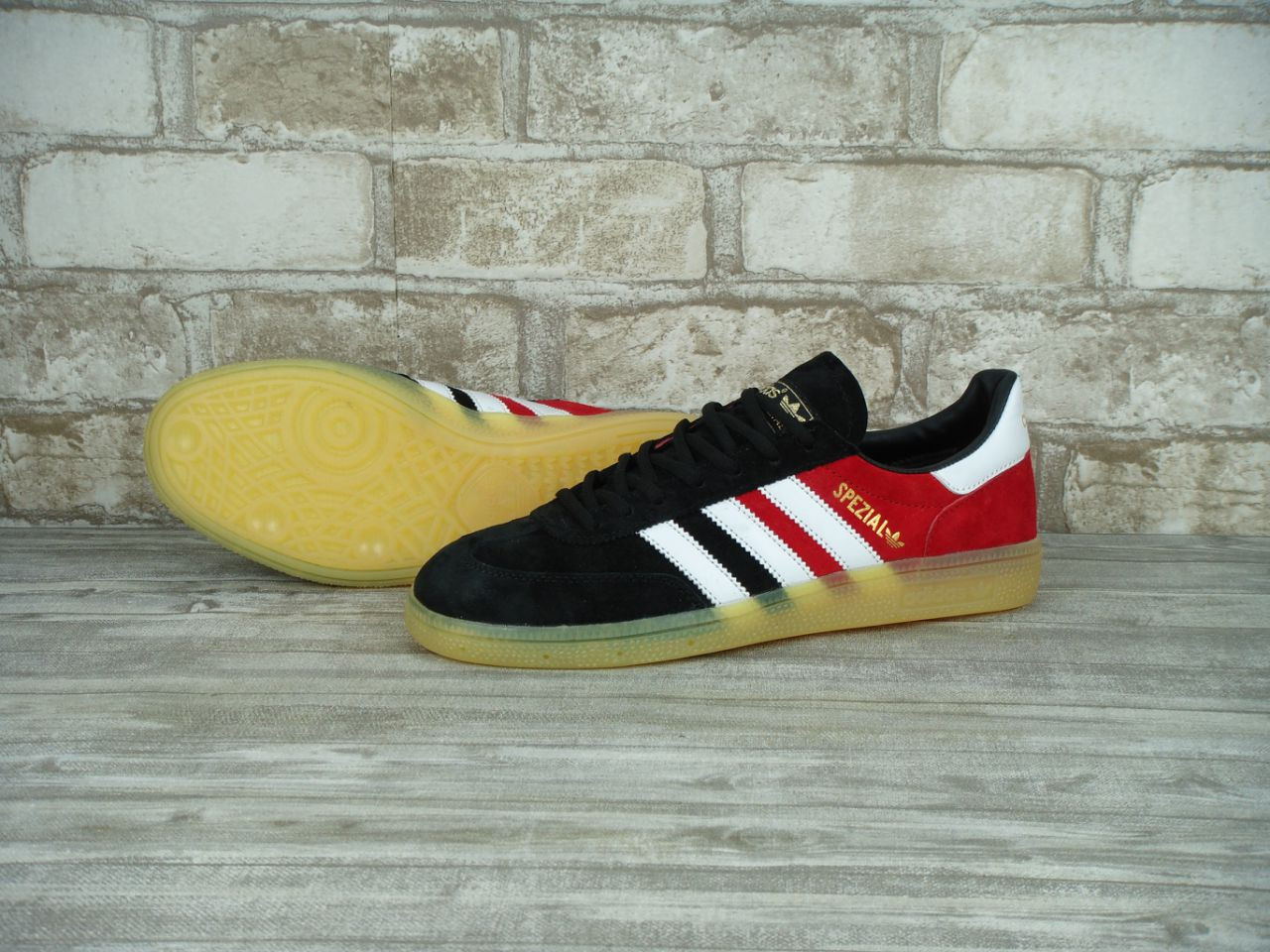 Кроссовки Adidas Spezial Red Black White