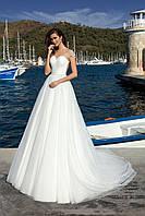 Очаровательное свадебное платье А-силуэта с прозрачной спиной