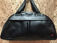 Спортивная сумка Reebok из чёрного кожзама, Рибок