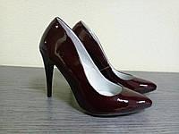 Лакированные кожаные женские туфли лодочки на каблуке бордо
