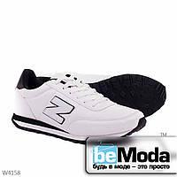 Удобные мужские кроссовки  white black из качественной экокожи с декоративной нашивкой в виде буквы N на боку белые с черным