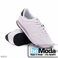 Привлекательные мужские кроссовки white из экокожи на плоской подошве без лишних декоративных детелей белые