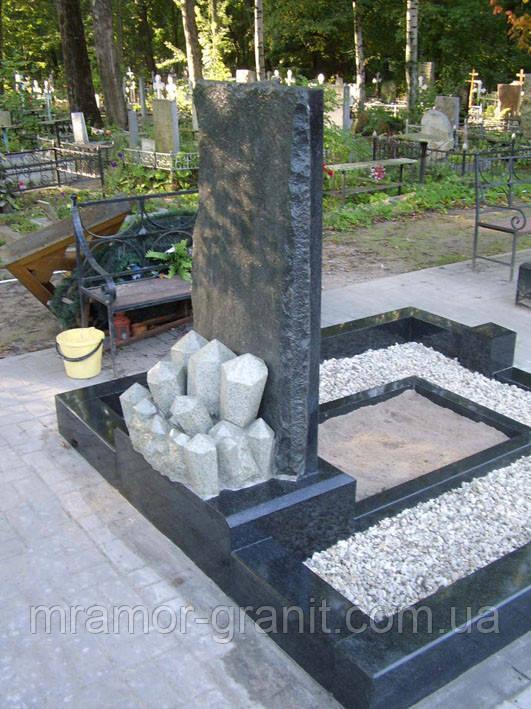 Памятник из гранита  П - С 22