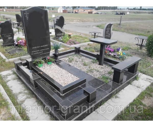 Памятник из гранита  П - С 25