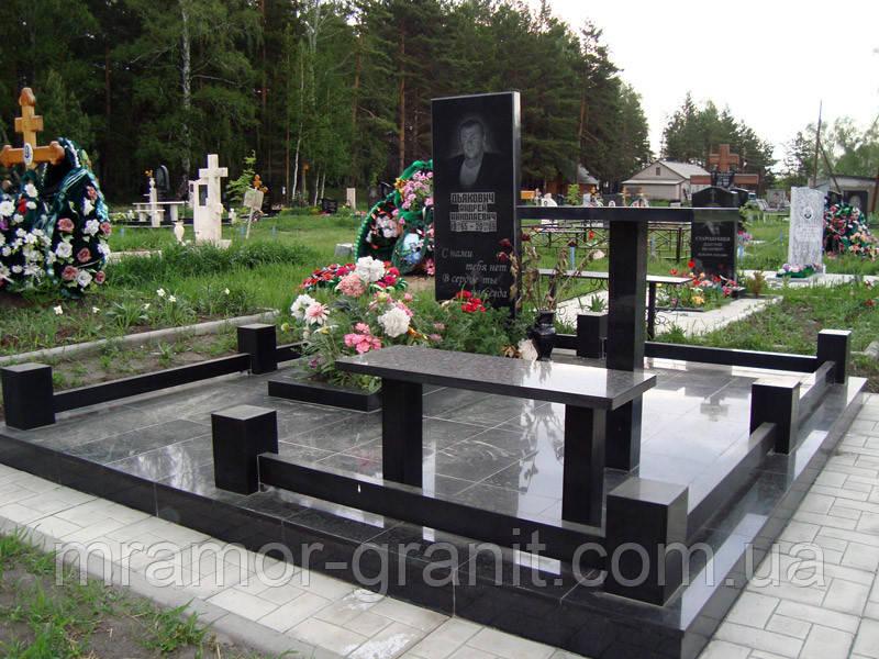 Памятник из гранита  П - С 33