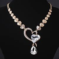 "Колье с кристаллами изгиб ""Сердца"" белые камни под ""золото"""
