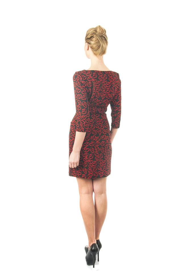 Платье красное в сердцах П180 с карманами