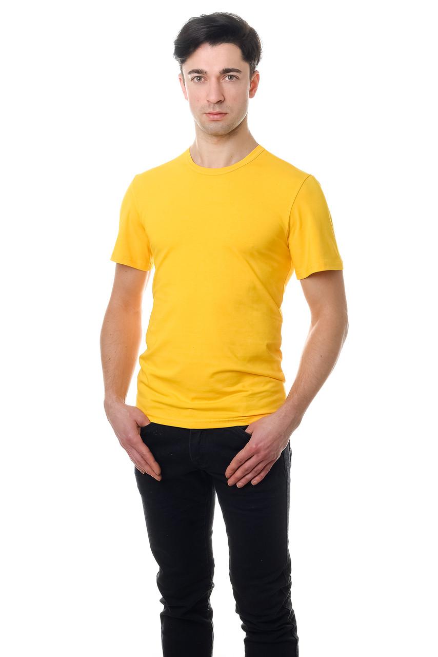 Мужская футболка из стрейч-коттона классического кроя по фигуре, желтая