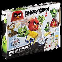 Angry Birds: средний игровой набор Ред атакует город свинок