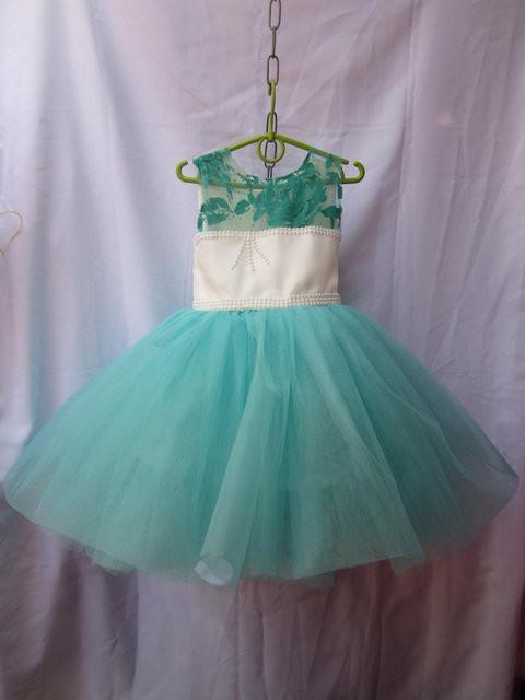 Платье детское нарядное 4 -5 лет
