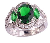 Женское кольцо в серебре. Изумруд зеленый