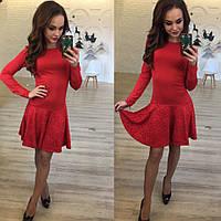 Модное красное трикотажное платье с гипюром.  Арт-9789/83