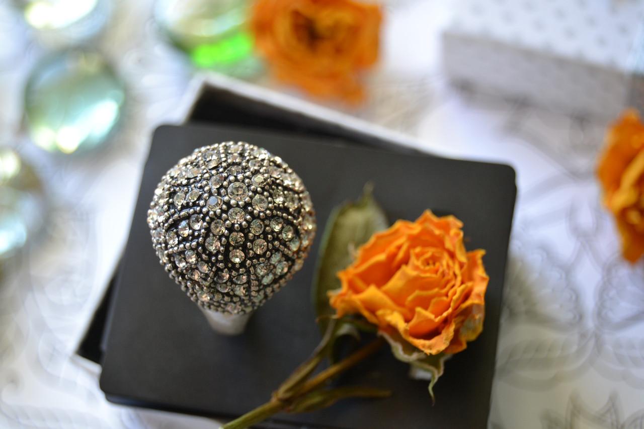 Кольцо с покрытием стерлингового серебра и камнями Pilgrim