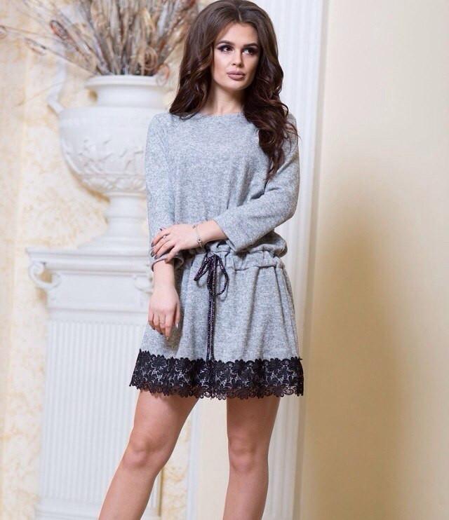 Платье ангора с кружевом стильное