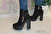 Весенние женские ботинки на каблуке из замши