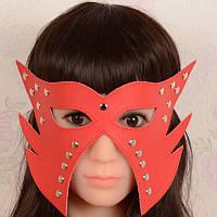 Сексуальная красная маска под пеньюар
