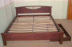 """Деревянная кровать """"Фантазия"""" с кованным элементом (190*160), массив дерева - ольха, покрытие - """"итальянский орех"""" (№ 462)."""