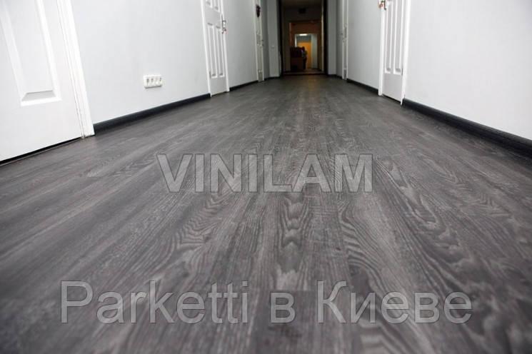 Vinilam 546128 Дуб Чорний Click Hybrid вінілова плитка
