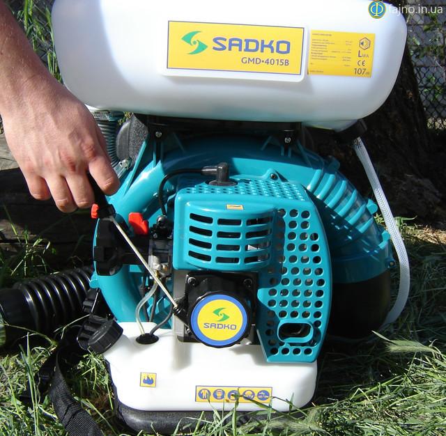Бензиновый опрыскиватель Sadko 4015B