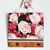 Подарочный пакет ЧАШКА 16х16х7,5 Букет роз