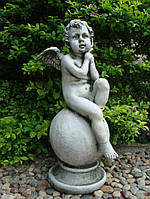 Садовая скульптура Ангел на шаре 36x34.5x64 cm