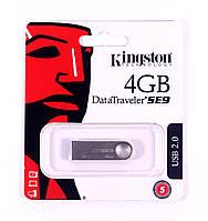 USB-накопитель Kingston DataTraveler SE9 4GB