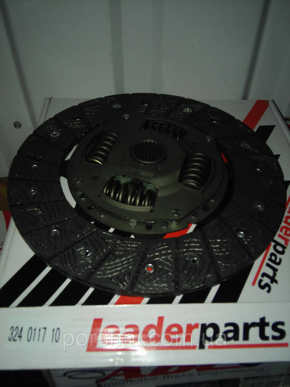 Диски  сцепления Ford   Тransit  2.5 D  88 --  Ø 242 LEADERPARTS 324011710