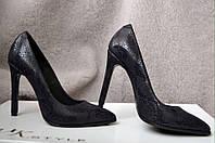 Туфли-лодочки на шпильке  натуральная кожа