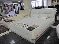 Кожаная кровать Бруно