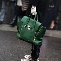 Женская сумка шикарного Зеленого цвета в наличии
