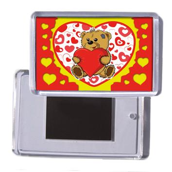 """Акриловий сувенірний магніт на холодильник на 14 лютого """"Ведмедик з серцем"""""""