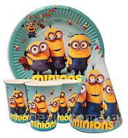 """Набор для дня рождения """" Миньоны """". Тарелки -10шт. Стаканчики - 10шт. Колпачки - 10шт. Скатерть - 1 шт."""