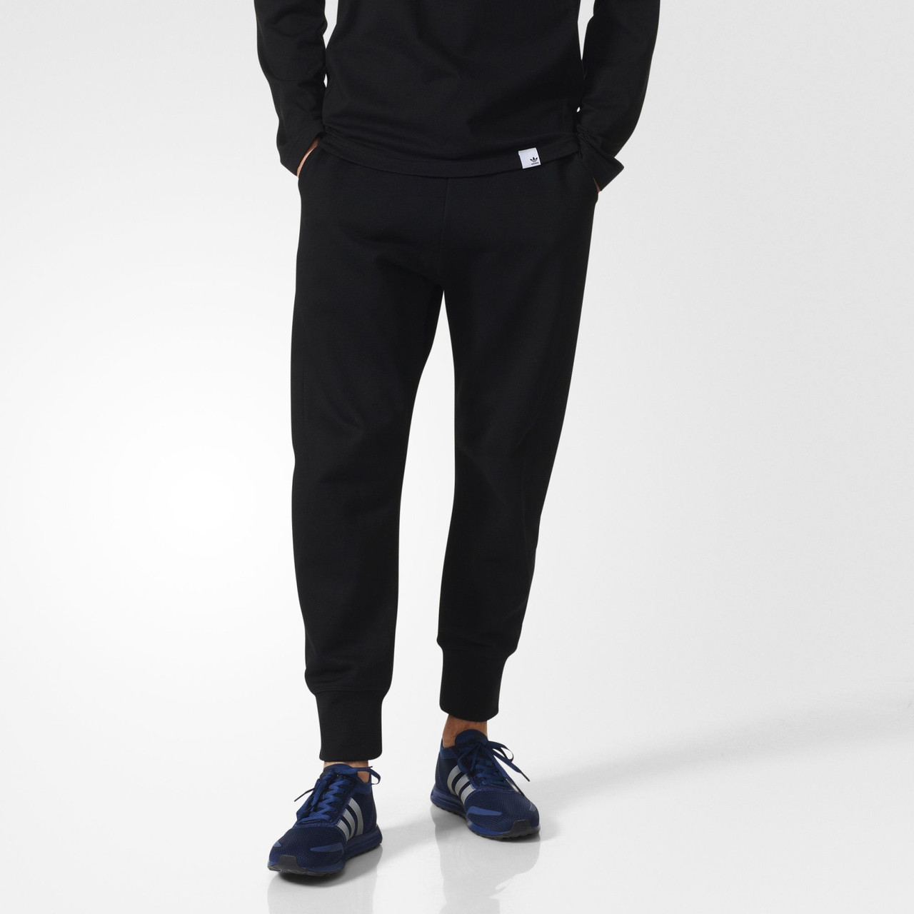 Мужские брюки Adidas Originals XBYO (Артикул  BQ3108) - Интернет-магазин  «Эксперт a63a1ea8a71