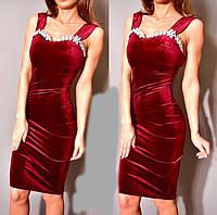 Бархатное платье с камнями на груди 529