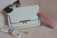 Белая компактная сумка через плече