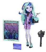 Monster High Твайла из серии новый Скарместер