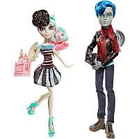 "Monster High Набор кукол ""Любовь в Скариже"" (Гарротт дю Рок и Рошель Гойл) 'Love in Scaris' - Garrott du Roque & Rochelle Goyle Fashion Doll 2 Pack"