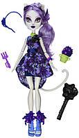 Monster High Кэтрин Де Мяу из серии Мрак и Цветение Gloom ´n Bloom Catrine DeMew