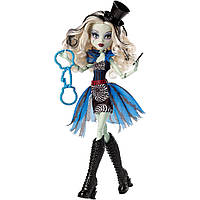 Monster High Кукла Фрэнки Штейн из серии Фрик Ду Чик Freak du Chic Frankie Stein Doll